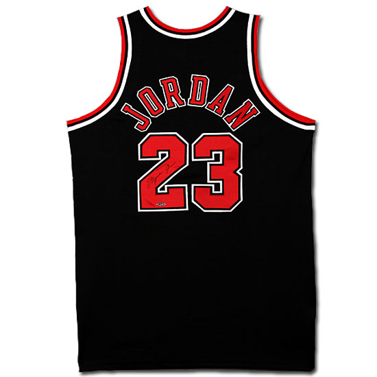 new style a17a9 93535 Michael Jordan Autographed Chicago Bulls Alternate/Black ...